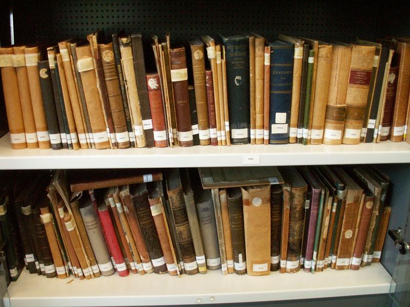 Collectie boeken tijdschriften apparaten etc stichting geschiedenis fysiotherapie - Tot zijn bibliotheek ...